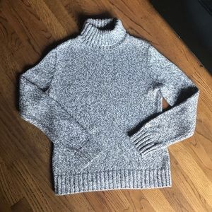Cable Knit Turtleneck Sweater size Small